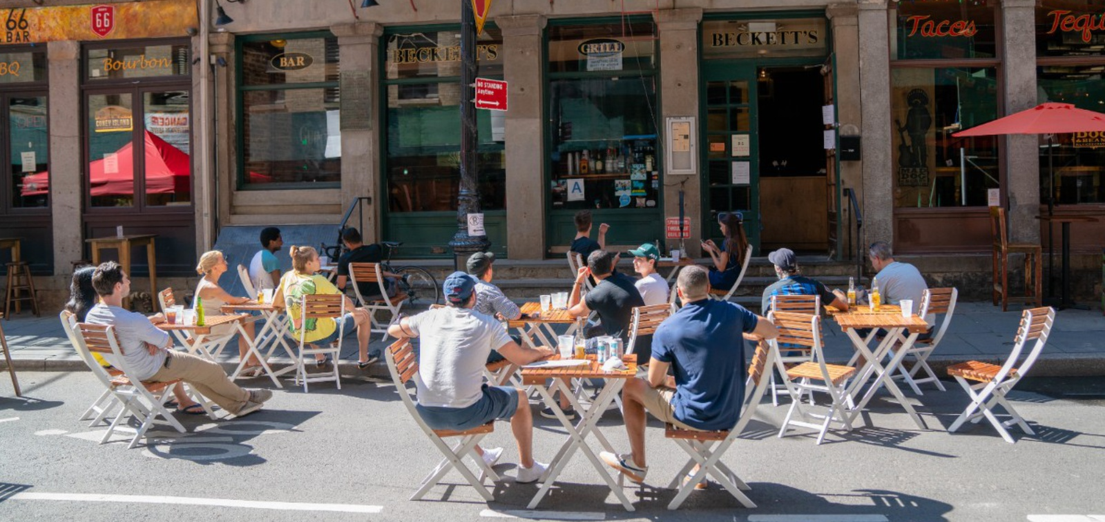 Consumers want curbside, outdoor dining to stay in 2021: survey