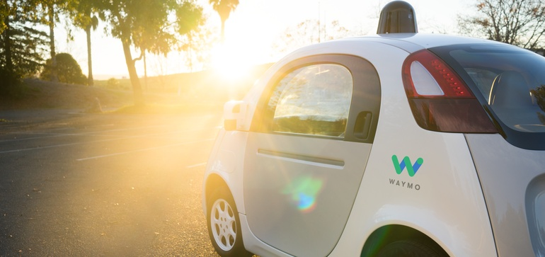 Waymo report details how police can deal with AVs